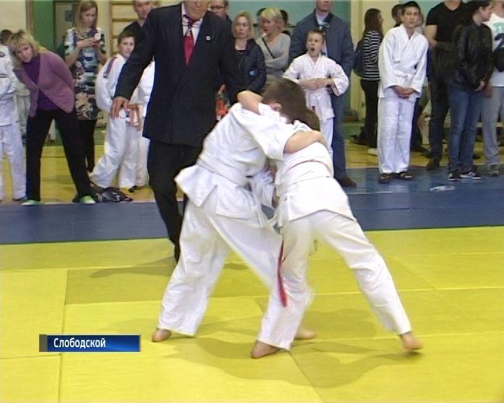 В Слободском прошел областной турнир по дзюдо памяти Василия Кряжева