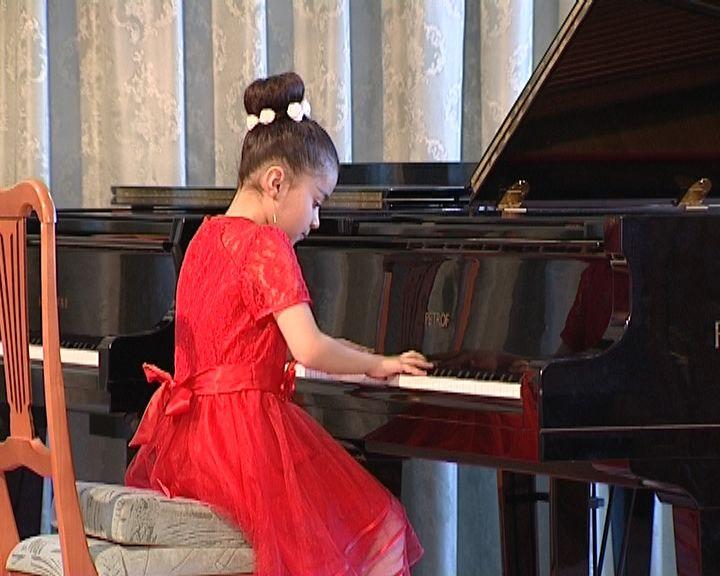 Дебют юных пианистов в Первой детской музыкальной школе