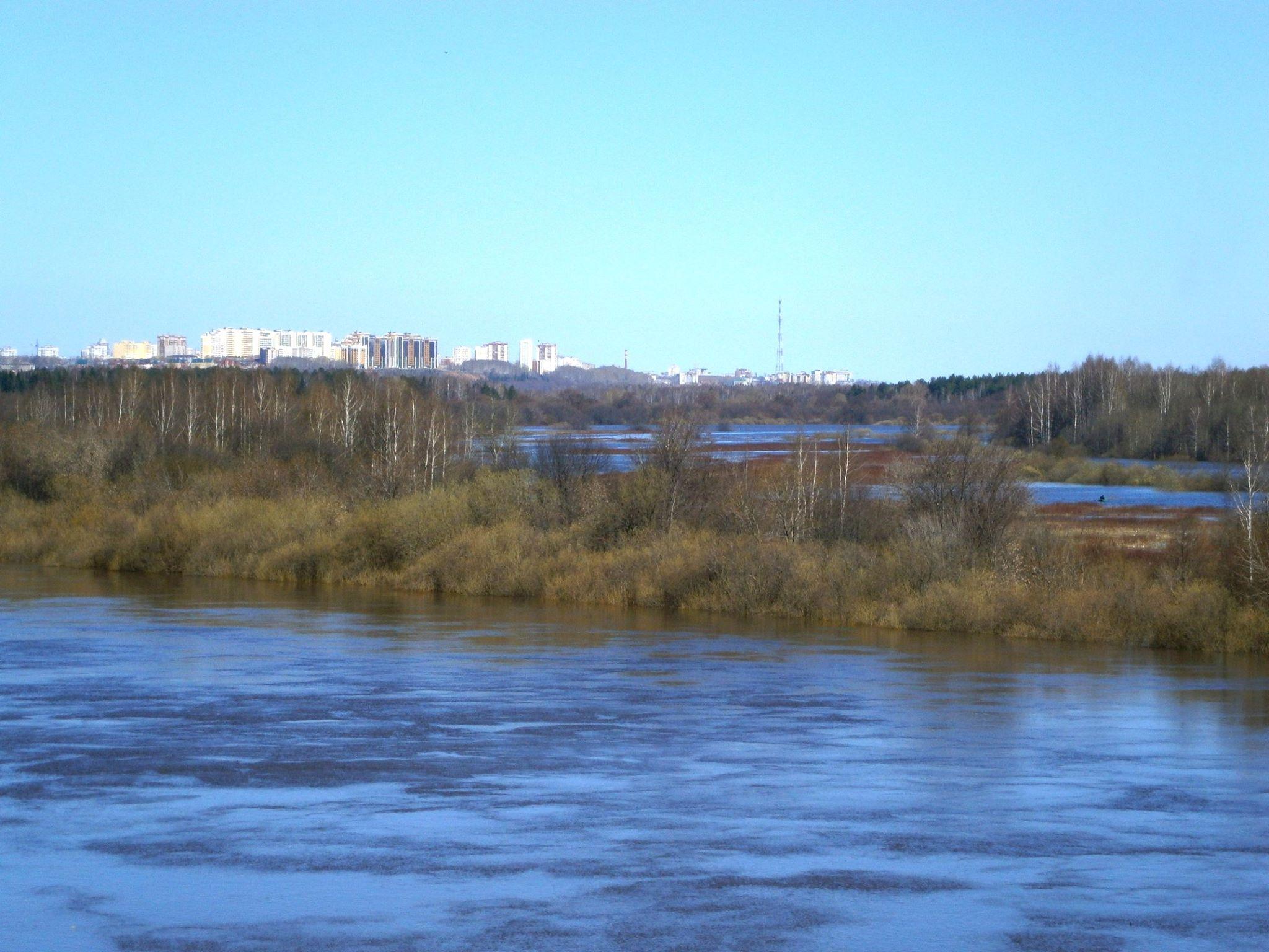 Уровень воды в реке Вятке в черте Кирова поднялся до отметки  463 см от нулевого поста.