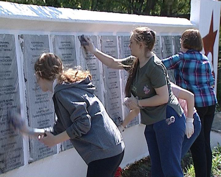 Волонтерская акция прошла на Лобановском кладбище