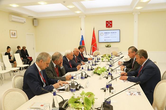 Кировская область и Санкт-Петербург подписали соглашение о сотрудничестве.