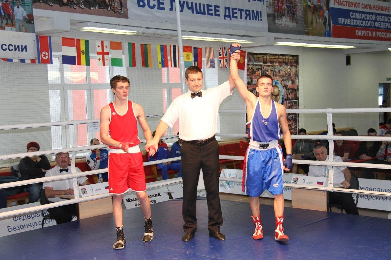 Сразу два кировских боксёра стали мастерами спорта России.