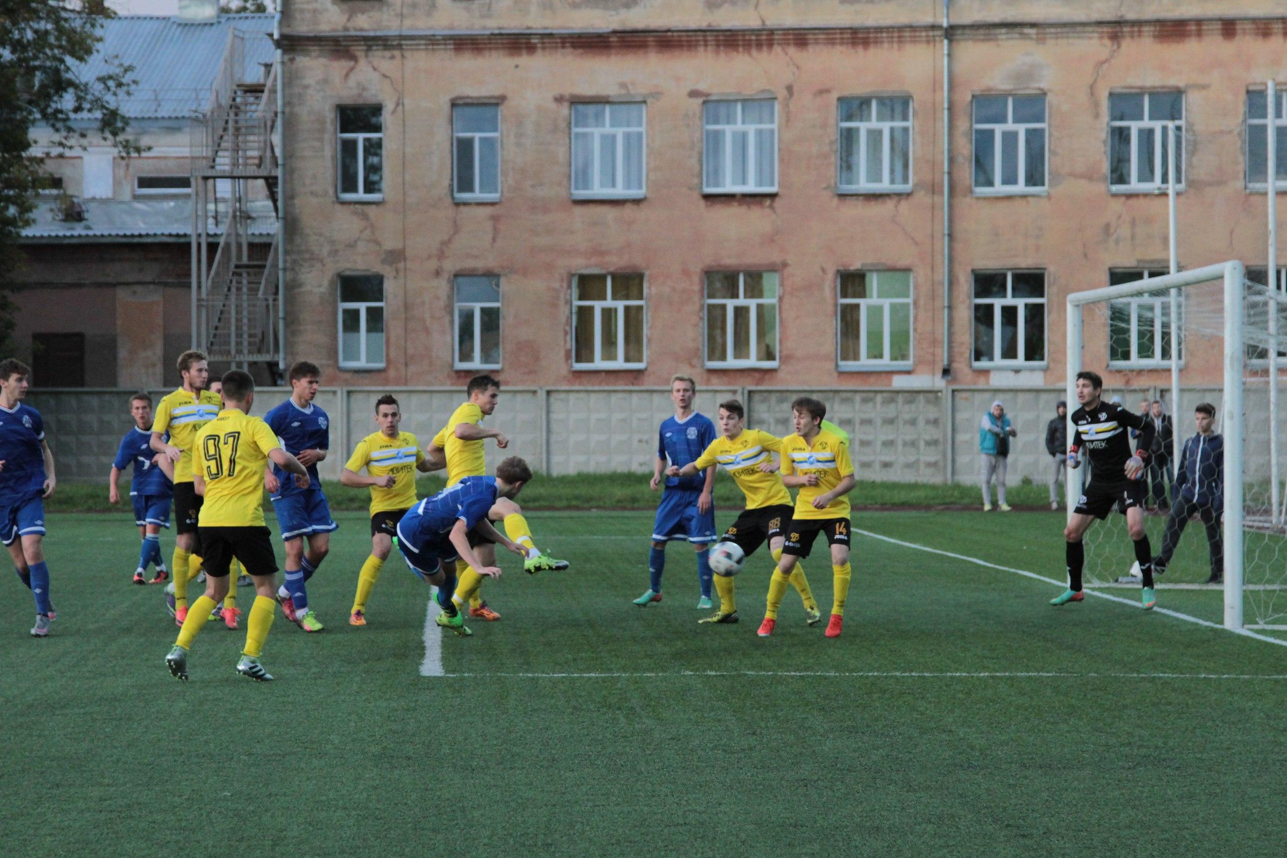 Футболисты кировского «Факела» одержали вторую победу в первенстве межрегиональной федерации «Золотое Кольцо».
