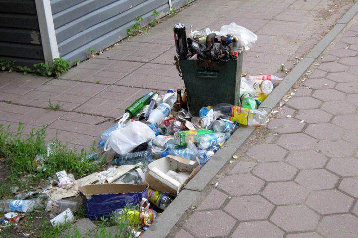 Послепраздничный синдром. Город очистили от мусора.