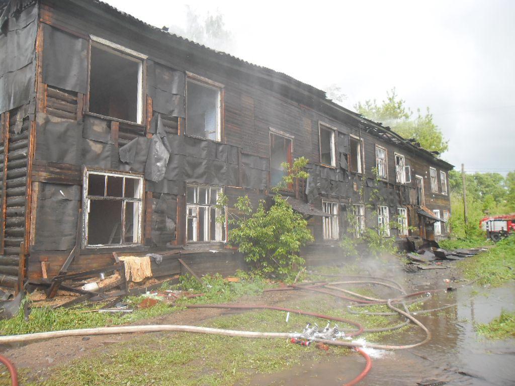 В Кирове опять горел расселенный дом (ФОТО)