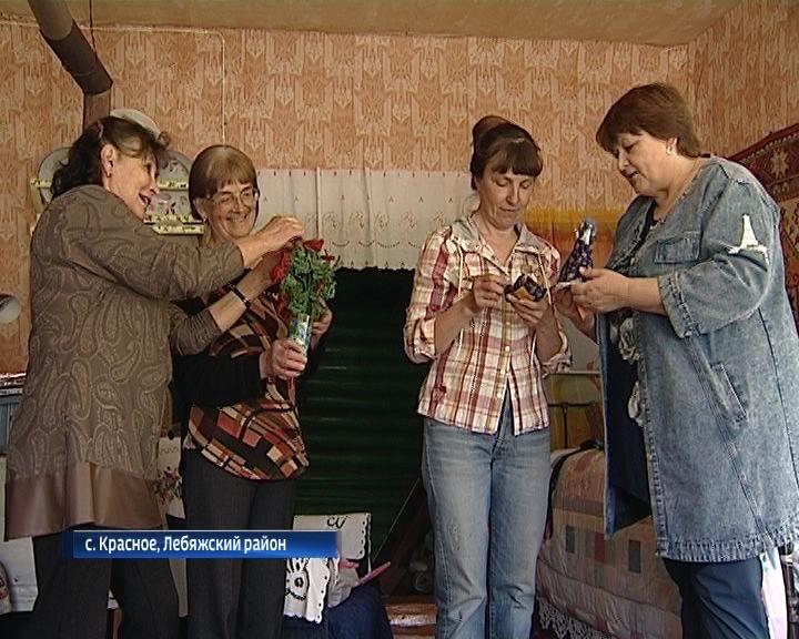 Рукодельницы из села Красного Лебяжского района знают, как сделать свой дом уютным
