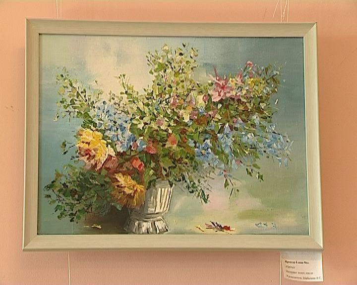 В библиотеке имени Грина открылась выставка картин начинающих художников