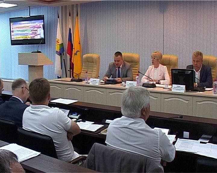 Важные для жизни города вопросы обсудили на заседании кировской Гордумы