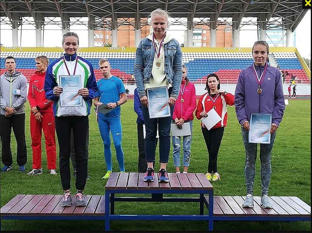Кировские легкоатлеты завоевали пятнадцать медалей чемпионата и первенства Приволжья.