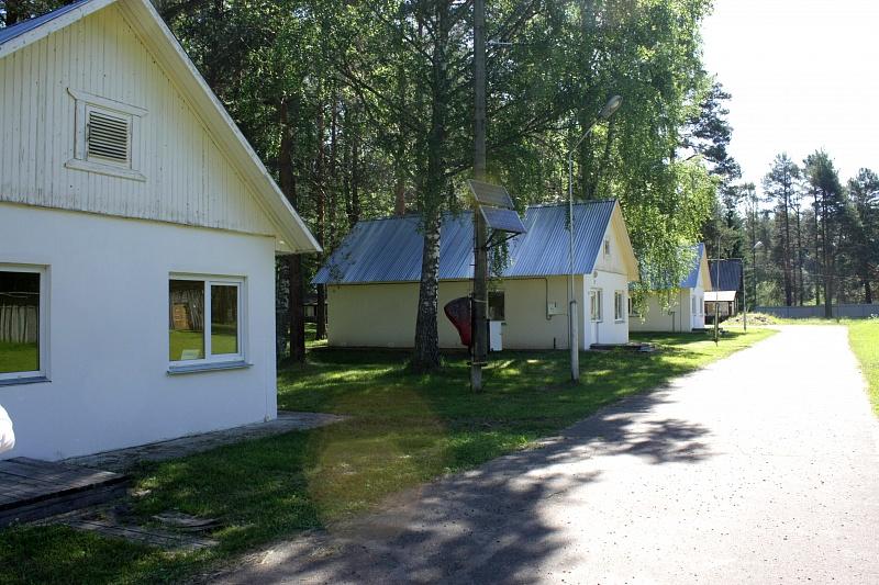 Кировские депутаты проверили состояние загородного лагеря «Юность».
