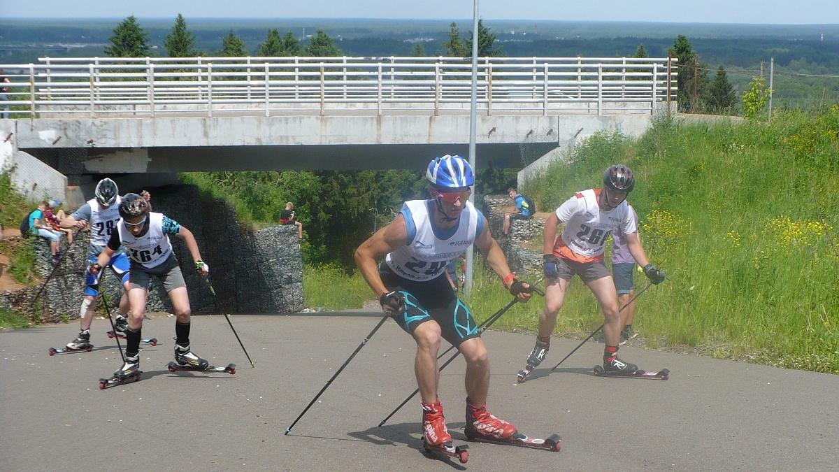 Кировские лыжники открыли летний соревновательный сезон.