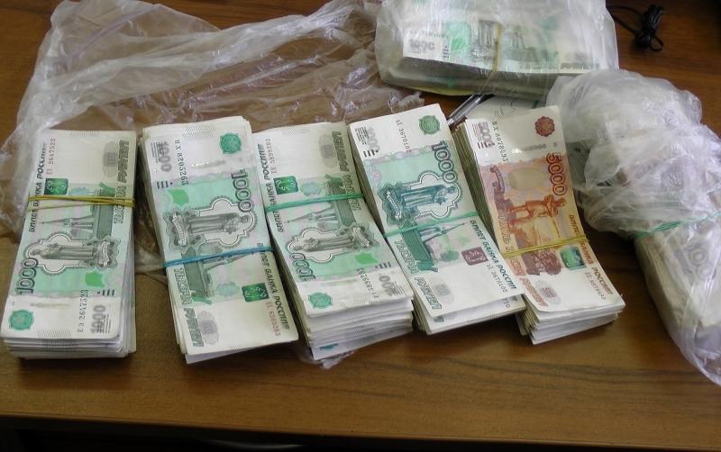 В Уржуме сотрудницу банка подозревают в хищении 4 млн рублей.