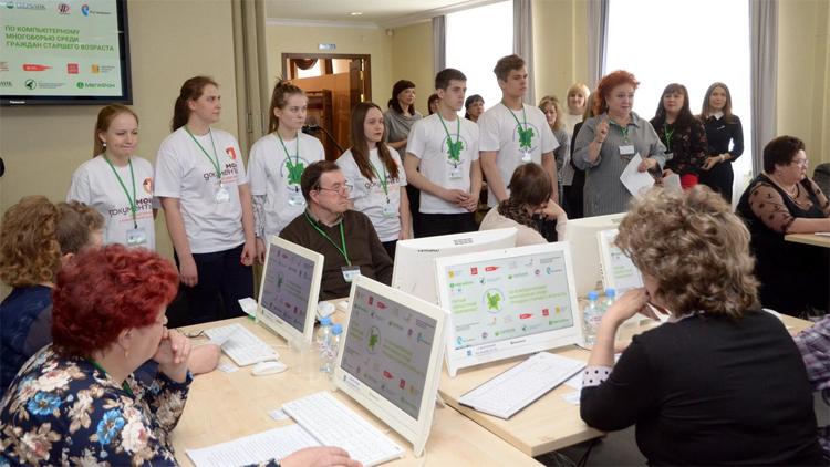 Выпускниками проекта «Волонтеры информационного общества» стали 2710 кировчан.