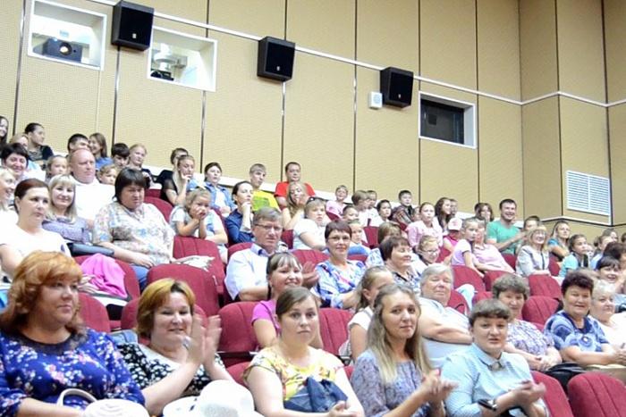 При поддержке российского Фонда кино в Яранске открылся кинозал.