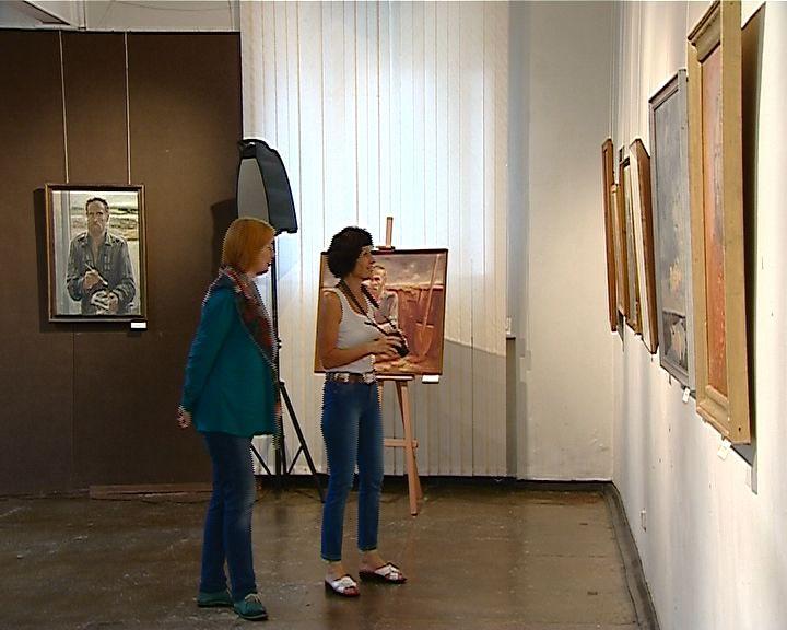 В музее Васнецовых открылась выставка художника Игоря Румянцева