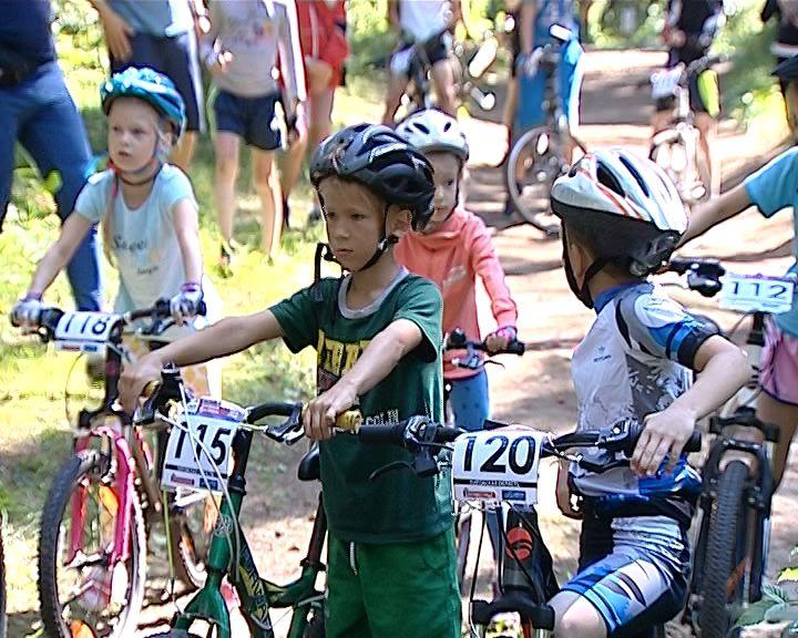 Велоэкстремалы преодолели предпоследний этап Чемпионата и Первенства области по маунтинбайку