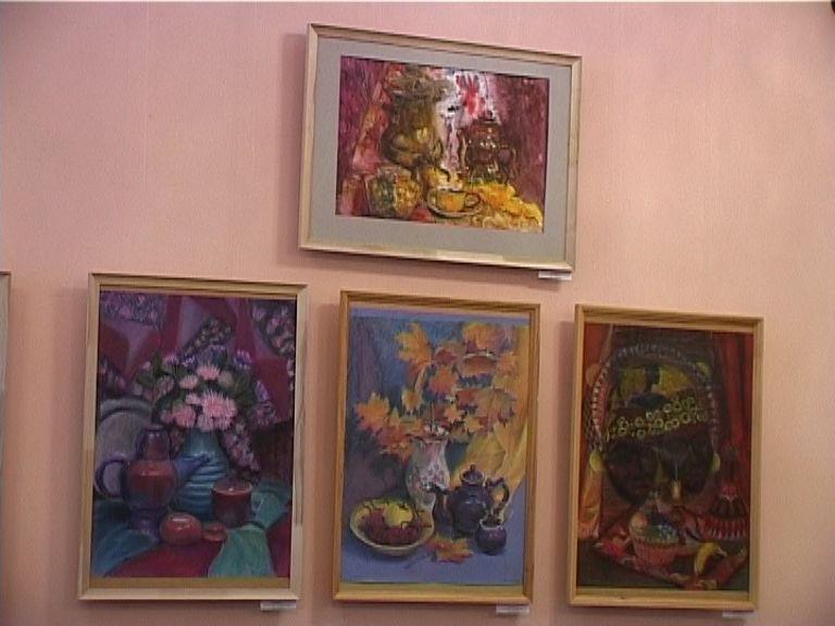 В кировской библиотеке открылась выставка «Совершенству нет предела!»