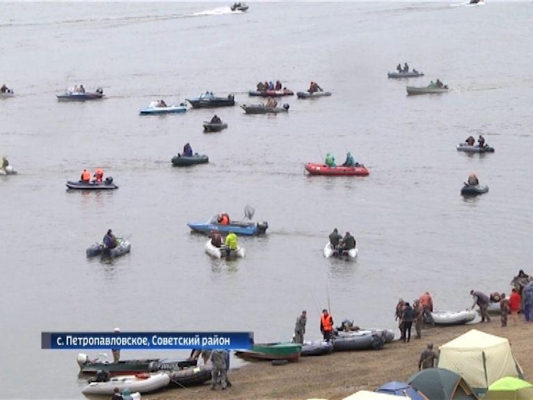 В Советском районе прошел рыболовный турнир «Трофеи Вятки»