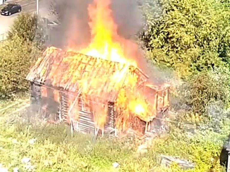 В Кирове стали чаще гореть нежилые дома