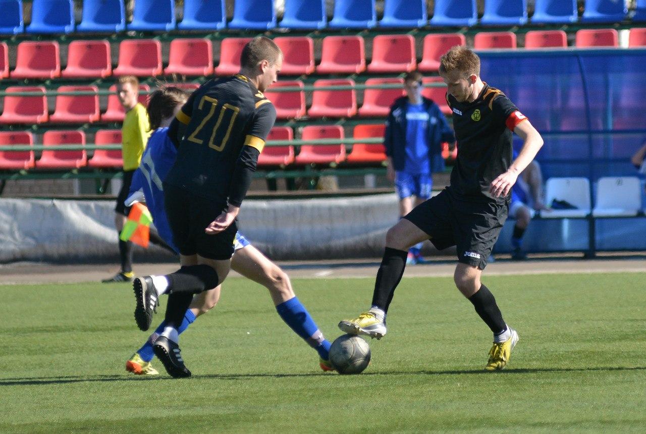 Футболисты кировского «Факела» продолжили серию беспроигрышных матчей.