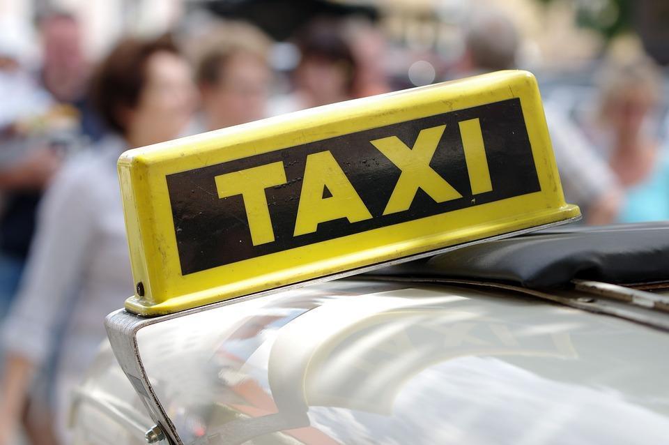 В Кирове совершено нападение на таксиста.