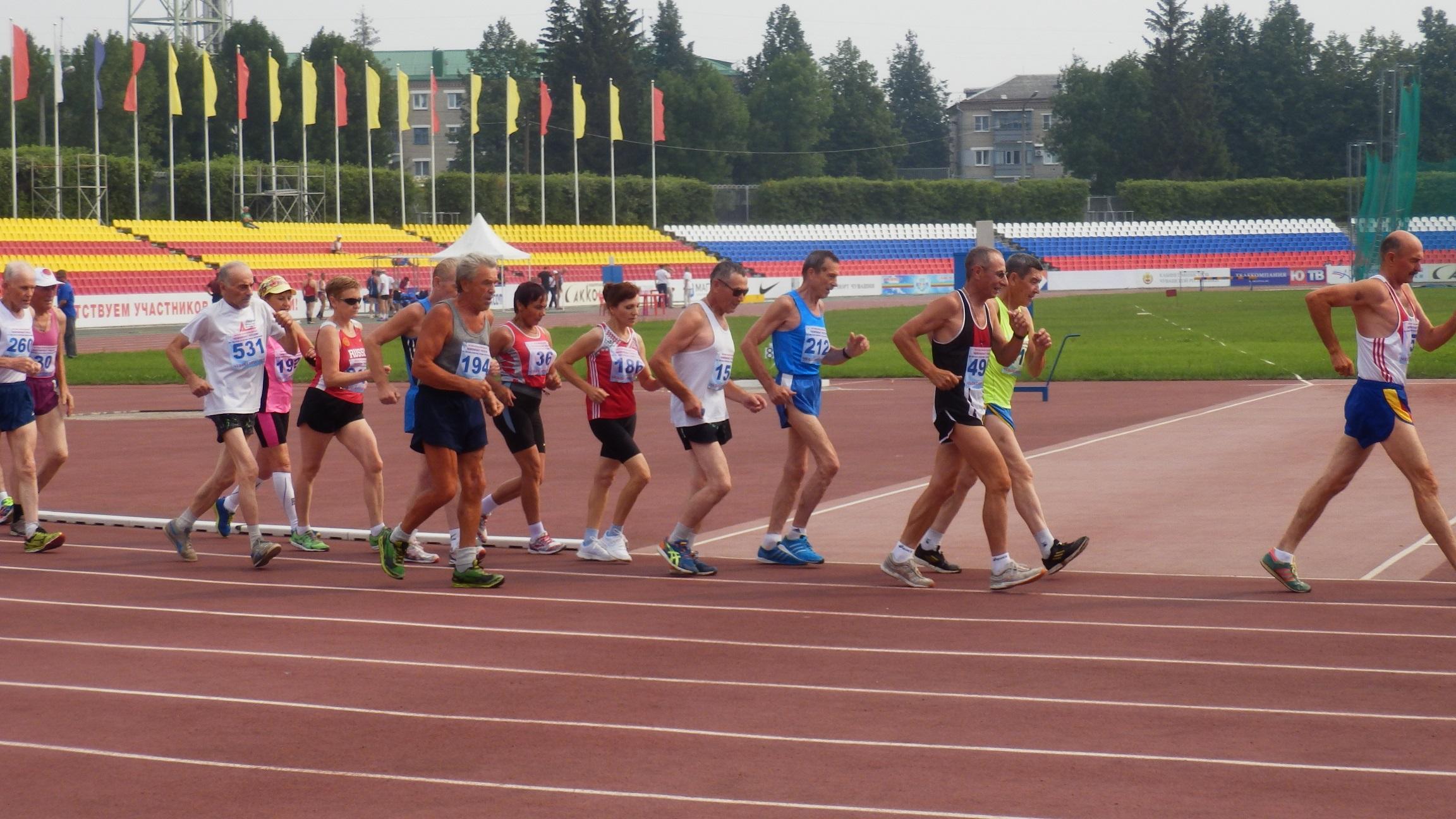Кировские легкоатлеты успешно выступили на ветеранском чемпионате России.
