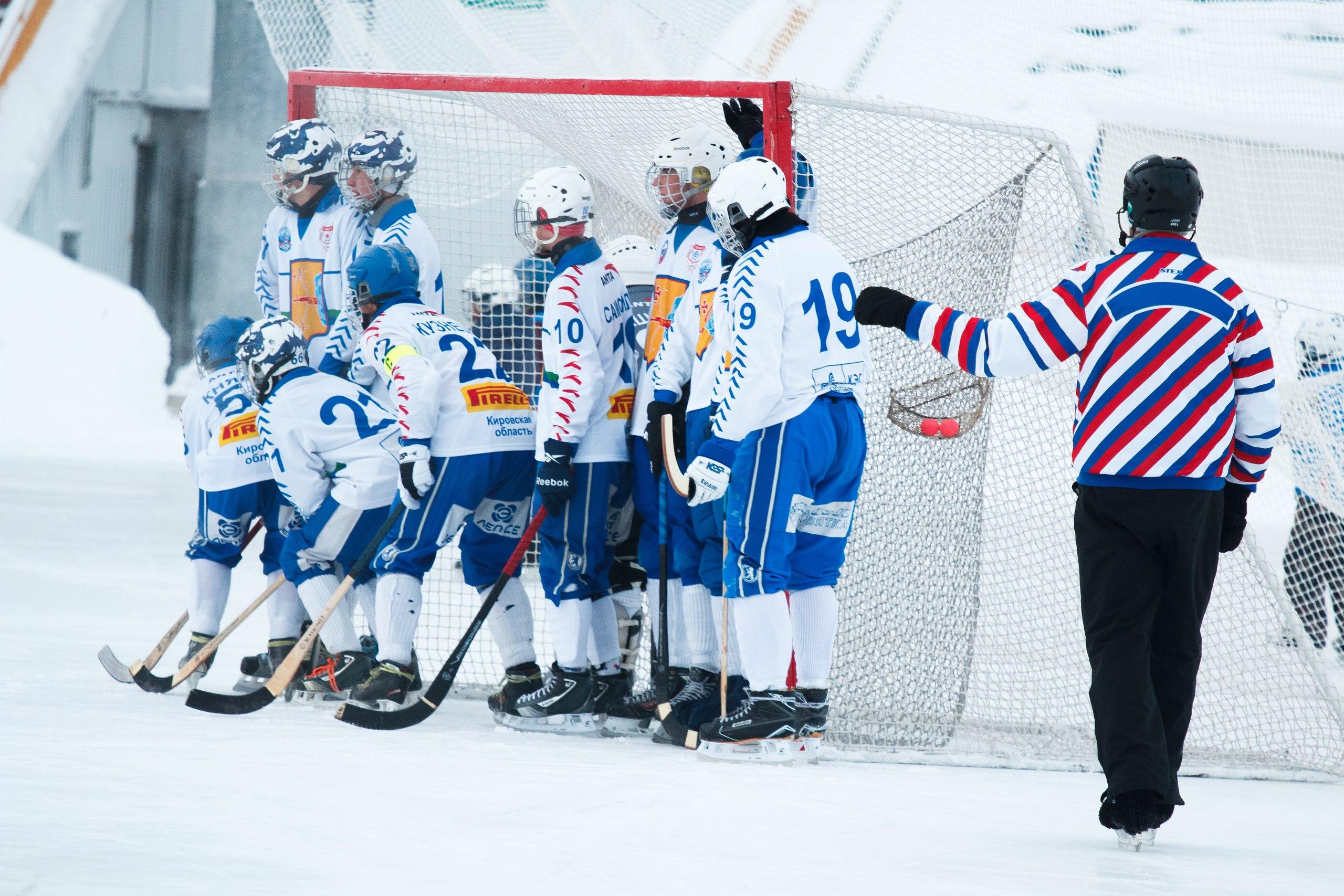 Сборная Кировской области по хоккею с мячом отправляется в Сыктывкар.