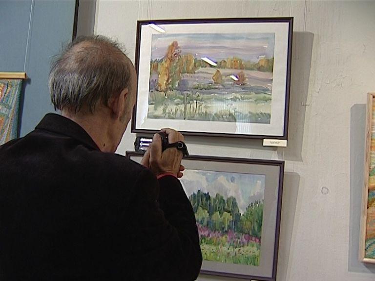 Открылась выставка кировского художника гобелена Нелли Зуберевой