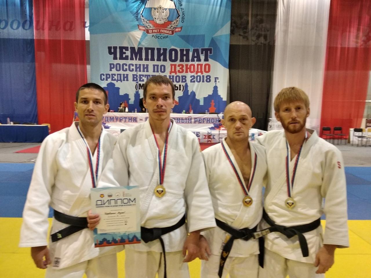 Кировские дзюдоисты стали победителями Чемпионата России среди ветеранов.