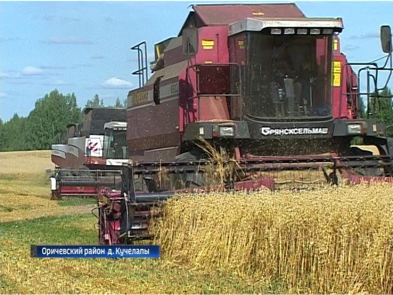 Кировские сельхозпредприятия собрали треть урожая