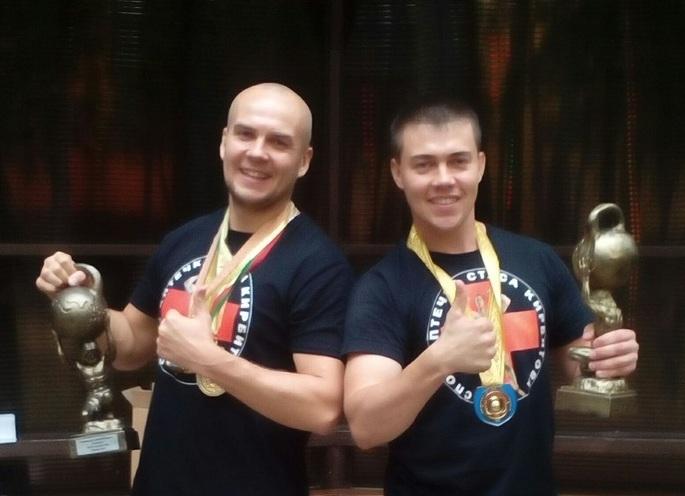 Сотрудники кировского УФСИН России завоевали золото Всемирной олимпиады по гиревому триатлону.