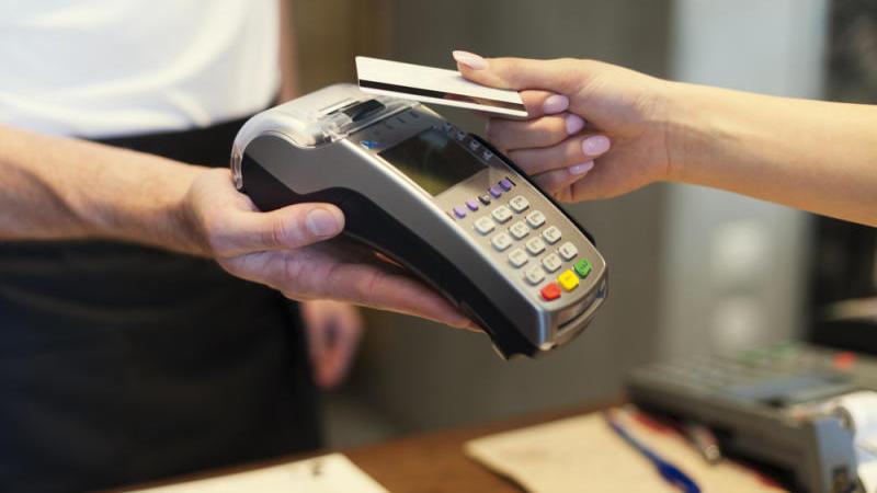 Появился новый вид мошенничества с банковскими картами.