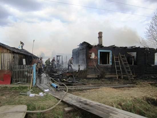 В Опаринском районе на пожаре погибли двое малолетних детей.