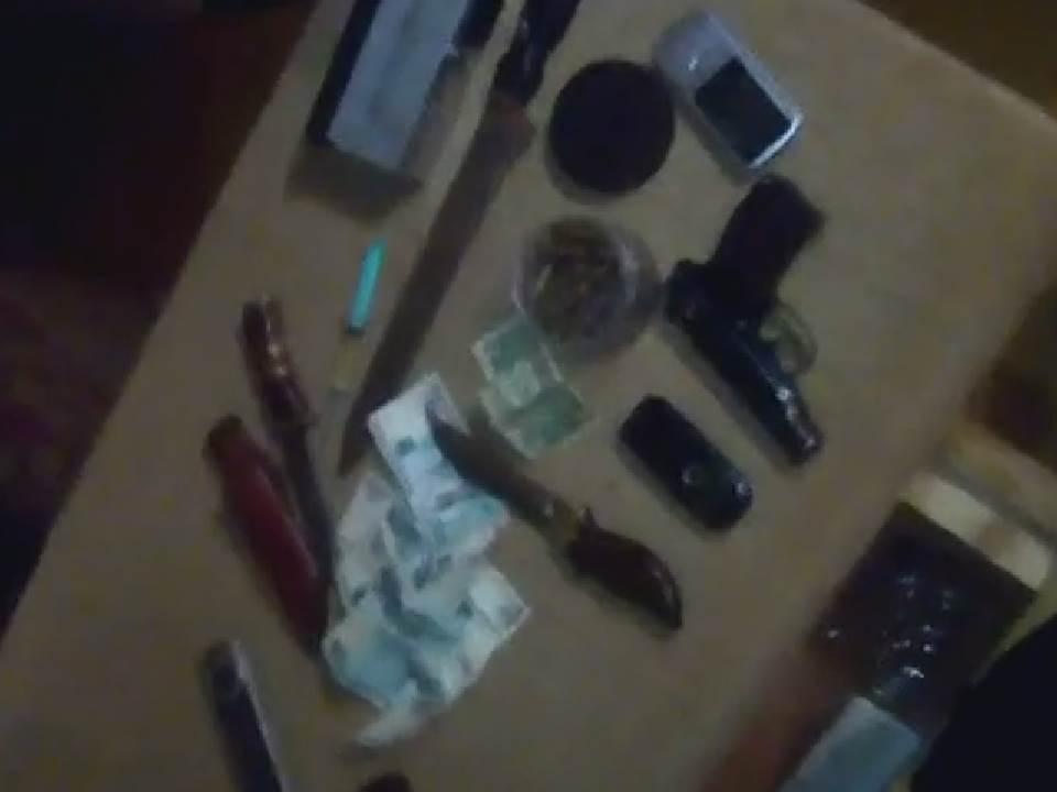 В доме жителя Нововятского района полиция обнаружила патроны и порох.