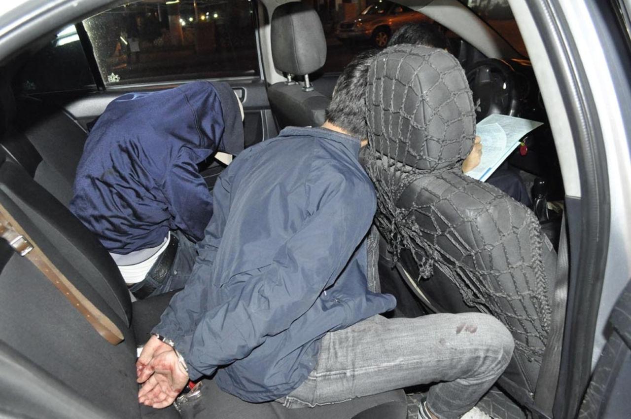 В Кирове двое молодых людей напали на таксиста.