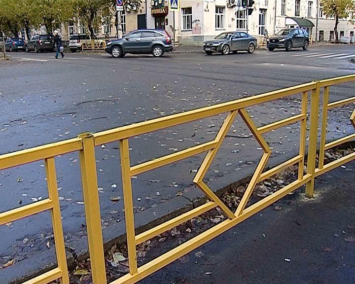 О ситуации с перегораживанием пешеходной зоны на Октябрьском проспекте