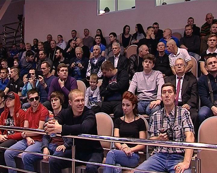 Встреча сборных команд Кировской области и Республики Татарстан по боксу на Кубок Губернатора