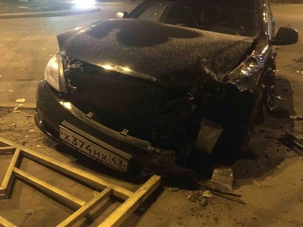 На улице Луганской столкнулись две иномарки.