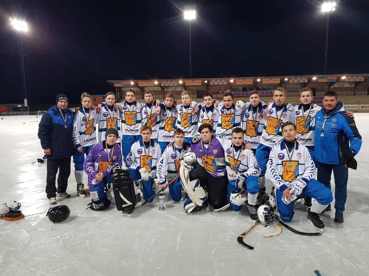 Кировская «Родина» стала серебряным призером Кубка мира по хоккею с мячом.