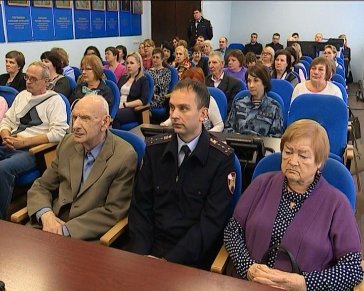 Кировские полицейские почтили память погибших коллег