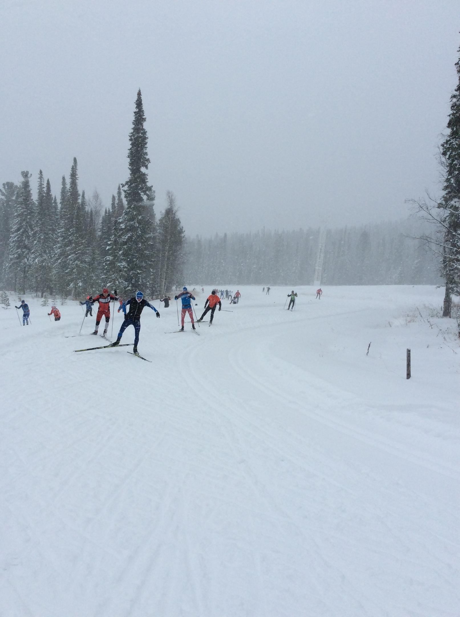 Кировские лыжники готовятся к старту зимнего сезона.