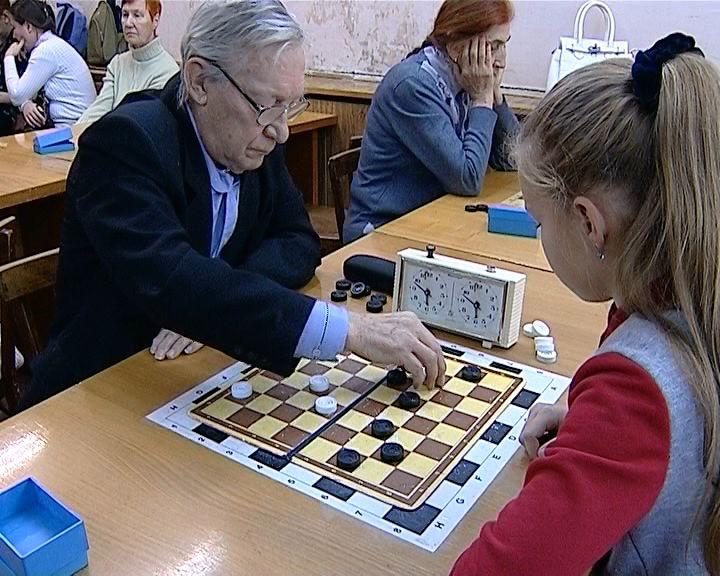 В Кирове прошел чемпионат и первенство области по шашкам