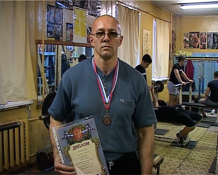 Кировские паралимпийцы на Кубке России по жиму штанги лёжа взяли золото и бронзу