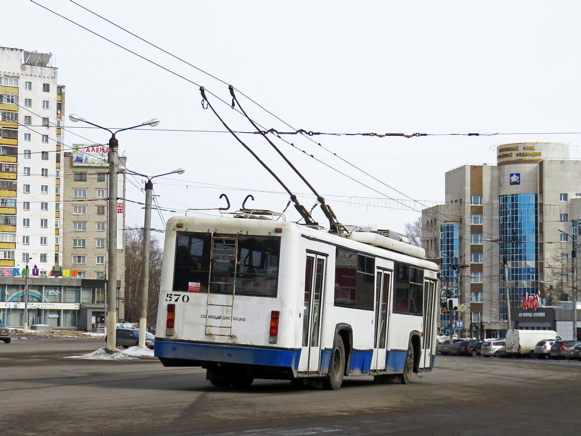 В Кирове увеличат количество троллейбусов на маршрутах.