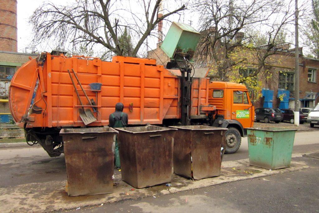 В Кирове вывезли мусор с 21 проблемной площадки.