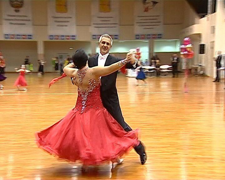 Во Дворце Единоборств состоялся Открытый Кубок области по спортивным танцам