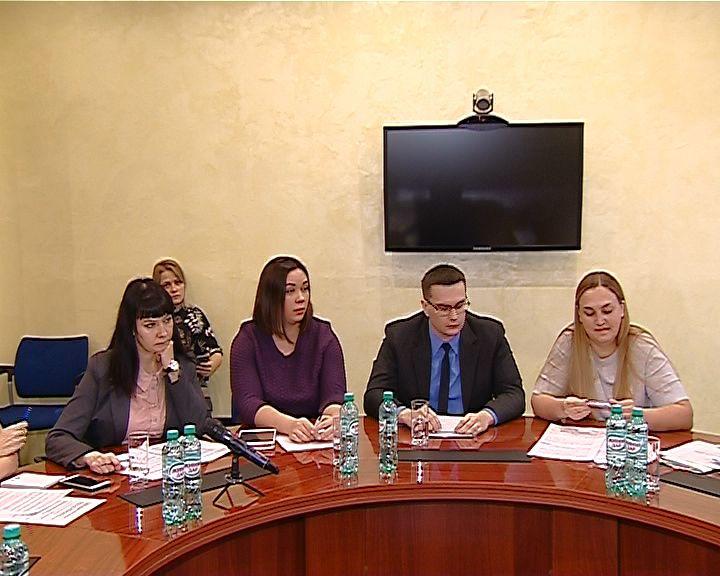 Глава региона встретился с комитетом по защите прав матерей