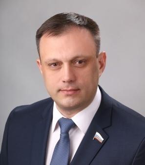 Депутата кировской гордумы Дмитрия Никулина объявили в розыск.