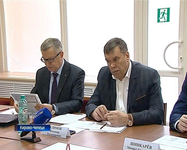 Владимир Климов встретился с жителями Кирово-Чепецка