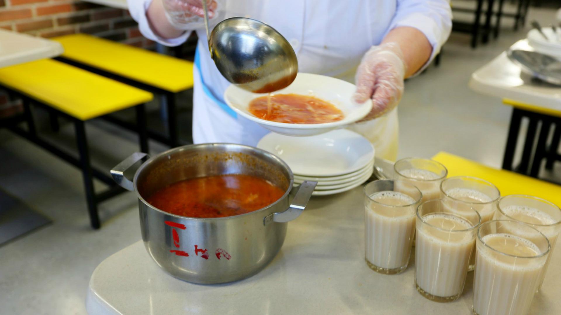 В Кирсе следователи устанавливают обстоятельства пищевого отравления 20 школьников.